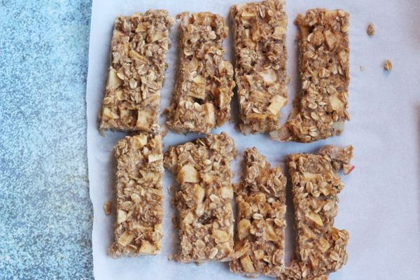 Apple Oatmeal Bars: Make This a Fall Favorite