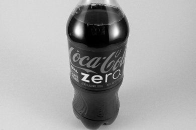 Three Reasons to Rethink that Diet Coke You're About to Drink