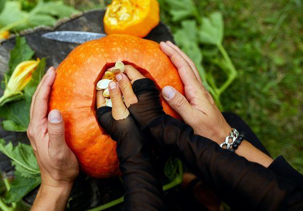 Roasted Pumpkin Seeds: Keep the Good Stuff